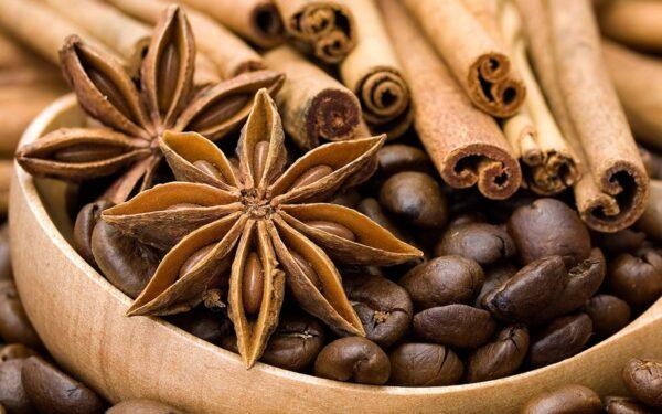 Café, canela e temperos fazem parte da lista a se evitar.