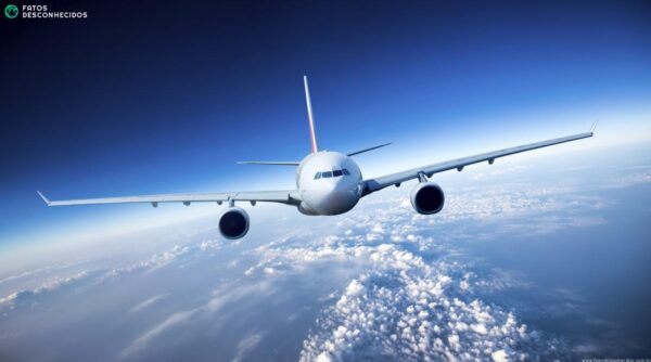 Airplane-1300x724