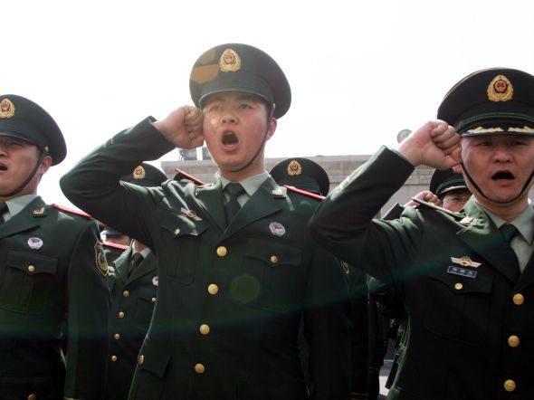 size_590_soldados-chineses