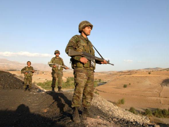 size_590_turquia-soldado