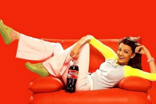 Aishwarya-Rai-Coca-Cola-Ad-Wallpaper