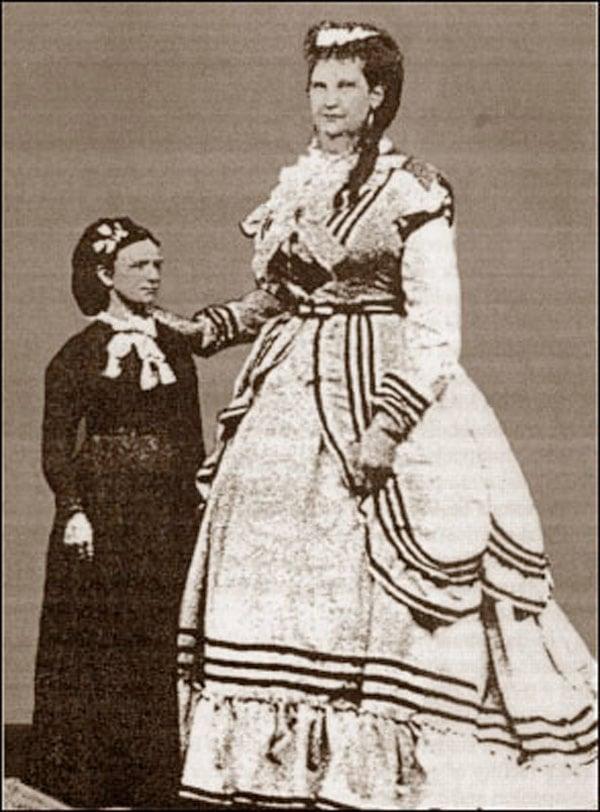 Suzana Holmes a mais dotada travesti do mundo