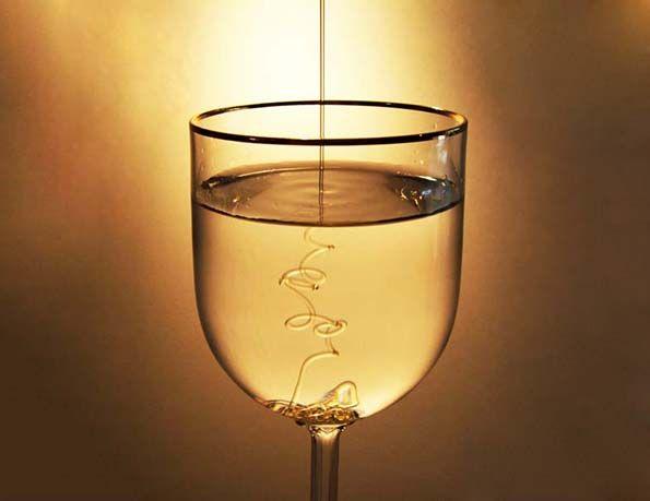 Resultado de imagem para copo com água e mel