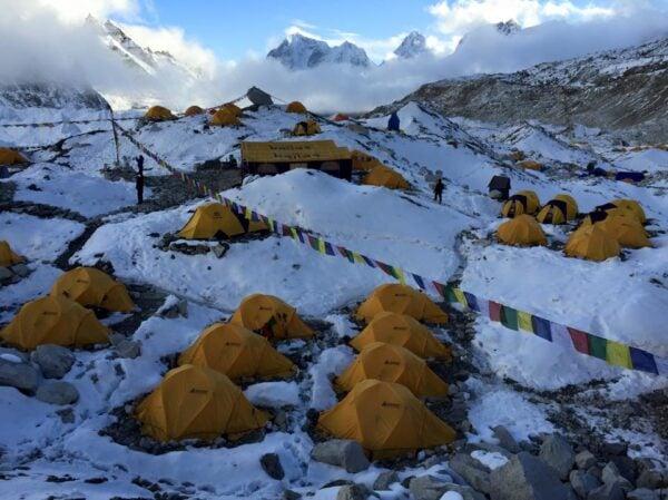 As coisas que não te contam sobre o Monte Everest