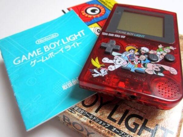 osamu-tezuka-gameboy-playreplay-3-620x465