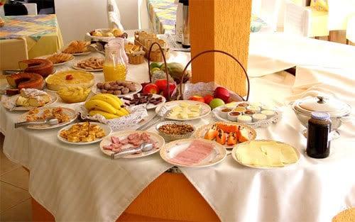 Café-da-manhã brasileiro
