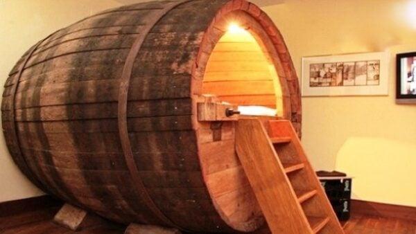 24-beer-barrel-man-bed-610x344