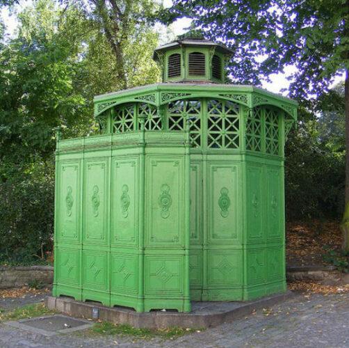 Berlin-toilets-e1323688225481
