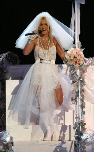 Going-Chapel-Madonna-Britney