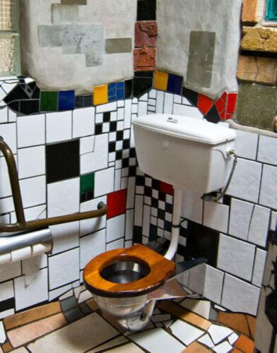 Hundertwasser-Public-Toilets-in-Kawakawa-e1323702401135