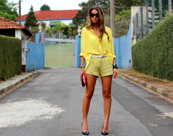 look-com-camisa-amarela1