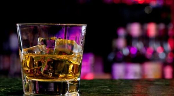 misturar-alcool-energetico