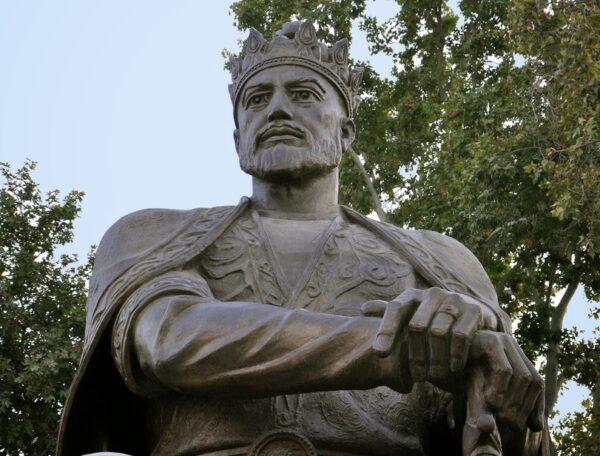 Estátua de Tamerlão em Samarcanda