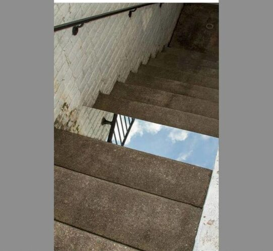 Mirror+prank_284d7e_5532943