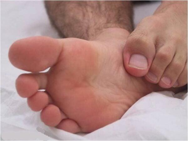 homem-de-chinelo-men-in-sandals-000