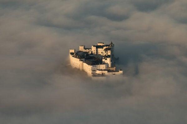 nevoa-na-fortaleza-austriaca-do-sesculo-xiv