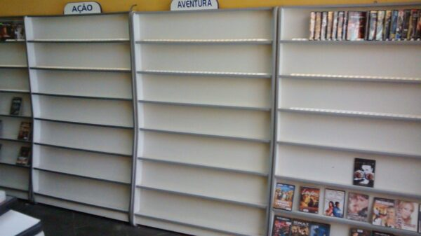prateleirasexpositoralocadora-para-dvds-16064-MLB20112830494_062014-F