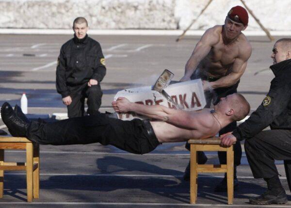 treinamentos-militares-insanos-1-5-838x599 (1)