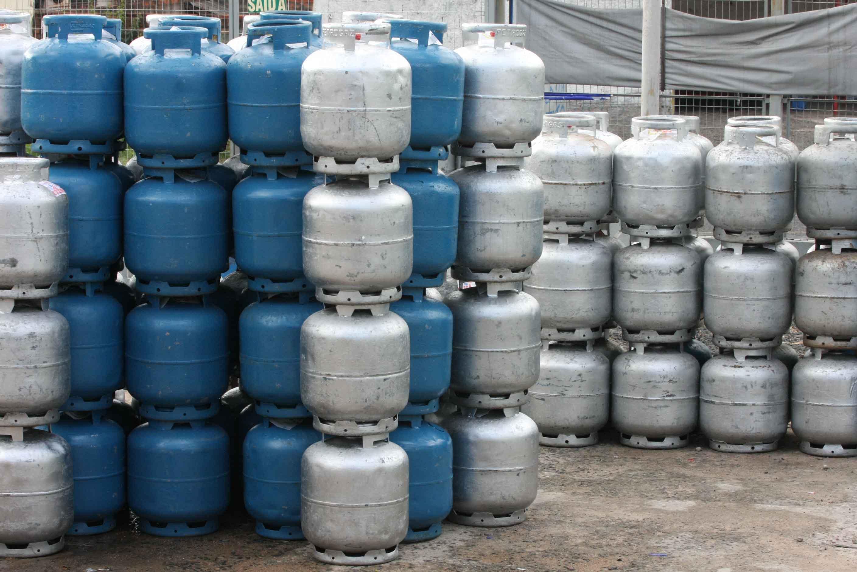 Resultado de imagem para foto botijao de gas