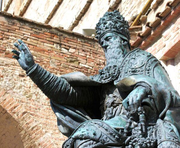 Julio III