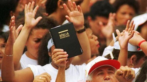 Religioes-Protestantes-e-Evangelicos