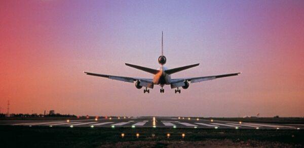 aviao-chegando-a-seu-destino-1305664683503_615x300