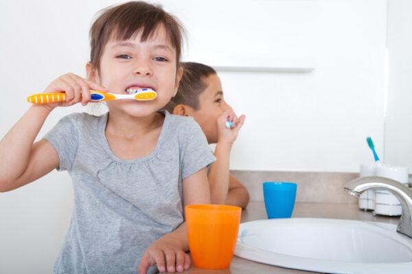 escovar-dentes-crianca