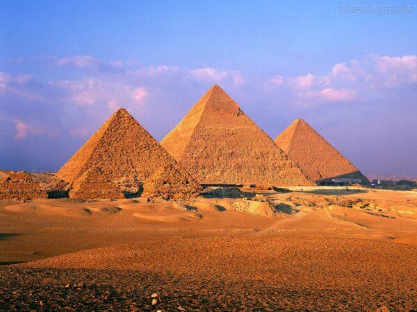 71917_Papel-de-Parede-Piramides-de-Giza-Egito_1280x960
