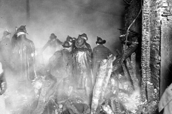10-31--Chicago firemen, 1924 (LofC-CDN)