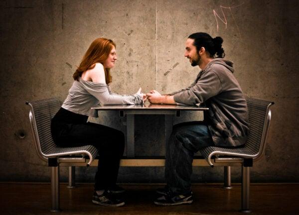 5 Vantagens de namorar um pobretão