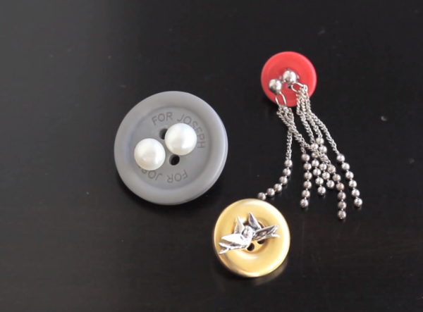 earrings_in_buttons_travel_hack