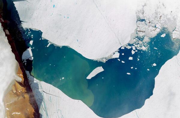 greenland-glacier-earth-day-13