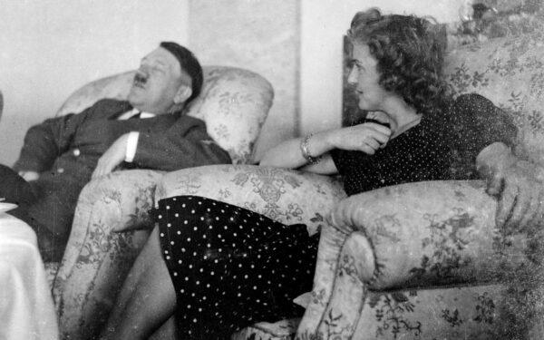 hitler-sofa-xlarge