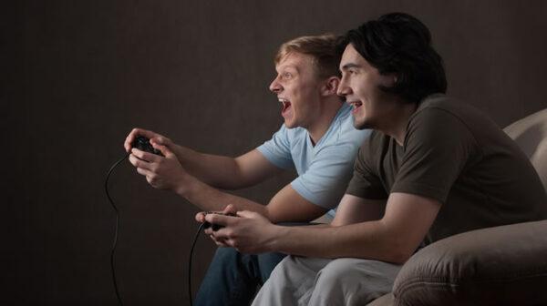 jogando-video-game-