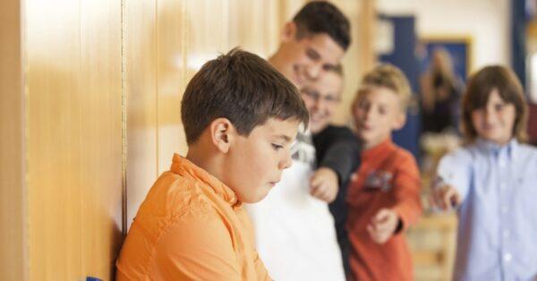 meninos-escola-bullying-1390592015476_956x500