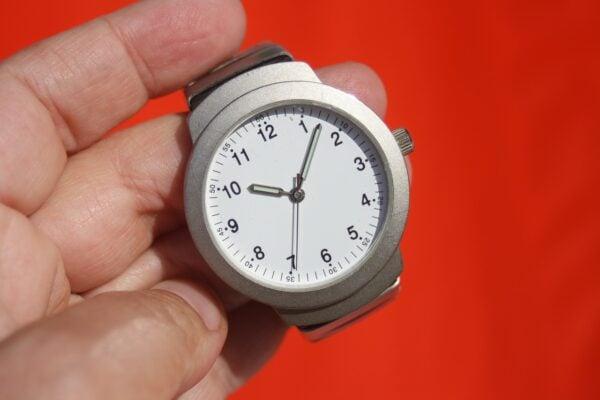 clock-95330_1280