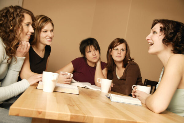 mulheres_conversando
