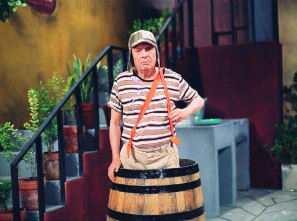 s11 sp 03-09-05 variedades jt A personagem Chaves do seriado Chaves, exibido no SBT FOTO DIVULGACAO