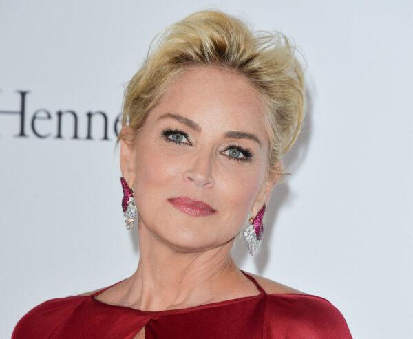 Mulheres lindas e famosas que tem um QI acima do média.