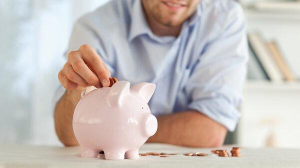 8 costumes que estão te deixando mais pobre dia a dia