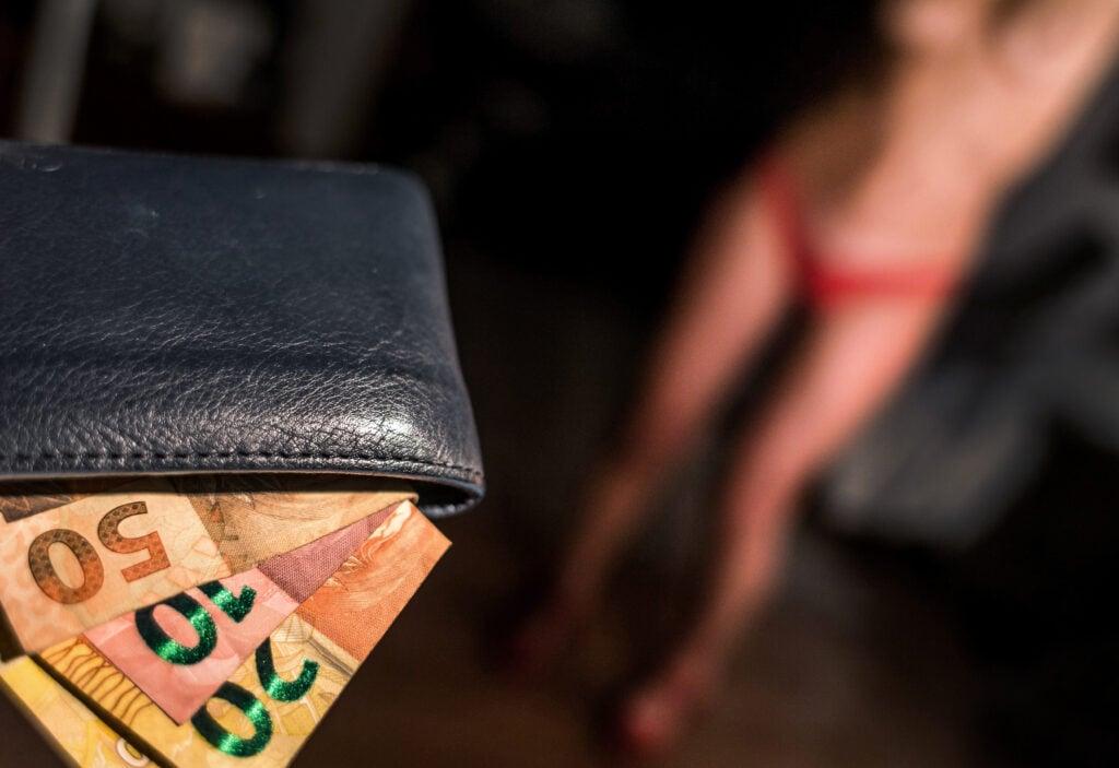 02-06-2014 - São Paulo -  Hoje, o dia 02 de junho é o Dia Internacional da Prostituta!  O dia comemora o 2 de junho de 1975 quando 150 prostitutas ocuparam a igreja de Saint-Nizier, em Lyon, na França. Elas protestavam contra multas e detenções feitas em nome de uma