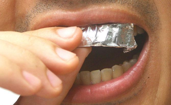Como Fazer Clareamento Dental Caseiro Nos Seus Dentes