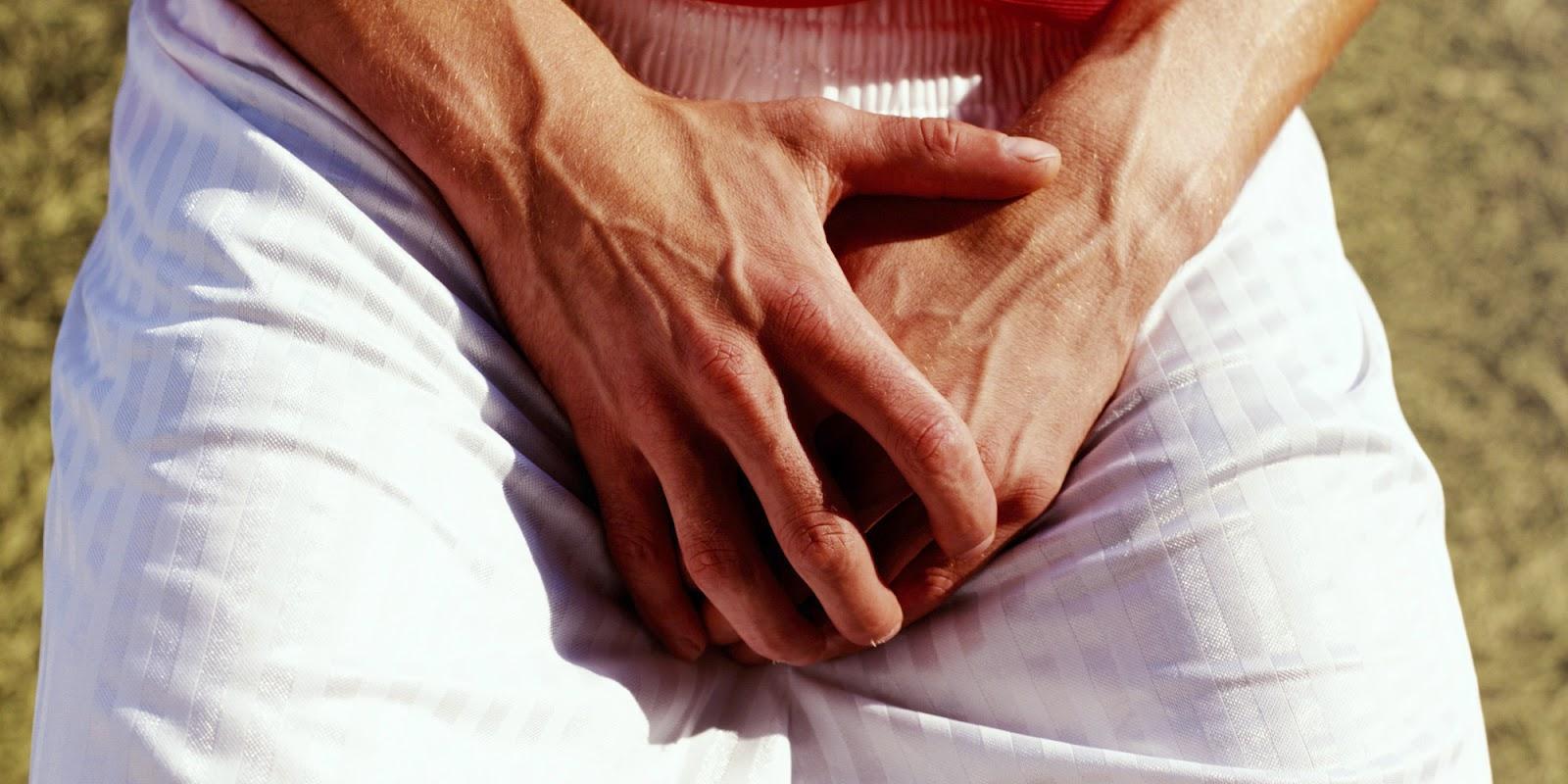 Почему болит правое яичко у мужчины боли при