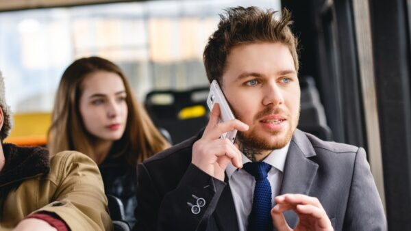 7 coisas que o celular pode causar no seu corpo