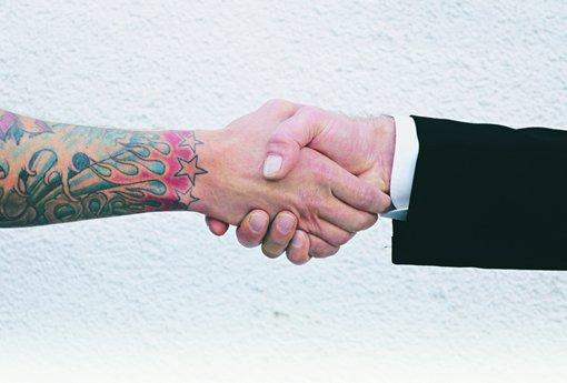 Frases Mensagens E Poesias Por Que Algumas Pessoas Só Dão: 9 Frases Que Pessoas Com Tatuagem Não Suportam Mais Escutar
