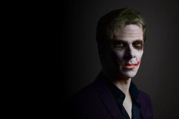 benedict_cumberbatch_as_the_joker_by_zalkel000-d7mf5tt