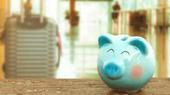 guardar-dinheiro-no-cofrinho