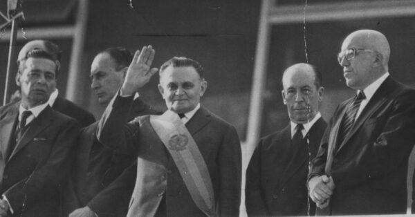 posse-do-marechal-humberto-de-alencar-castello-branco-presidente-da-republica-de-1964-a-1967-1393008723207_956x500