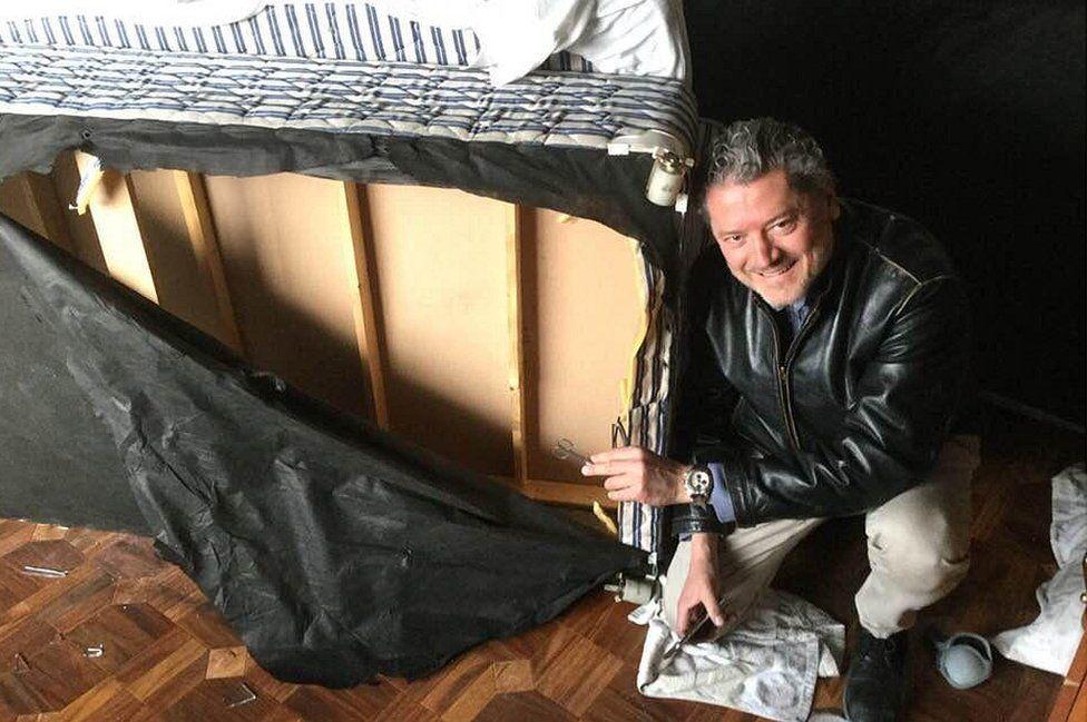 Tem Na Web - O homem que sobreviveu a um atentado do Taliban usando um colchão