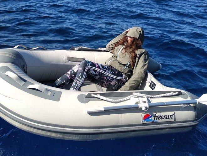 Entenda como pirulitos salvaram a vida de uma mulher que ficou 37 horas perdida em alto mar 2